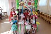 Парад весенних шляп
